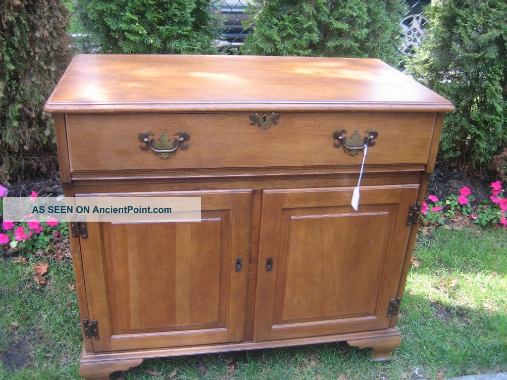 Mid Century Modern Maple Bar/chest Post-1950 photo
