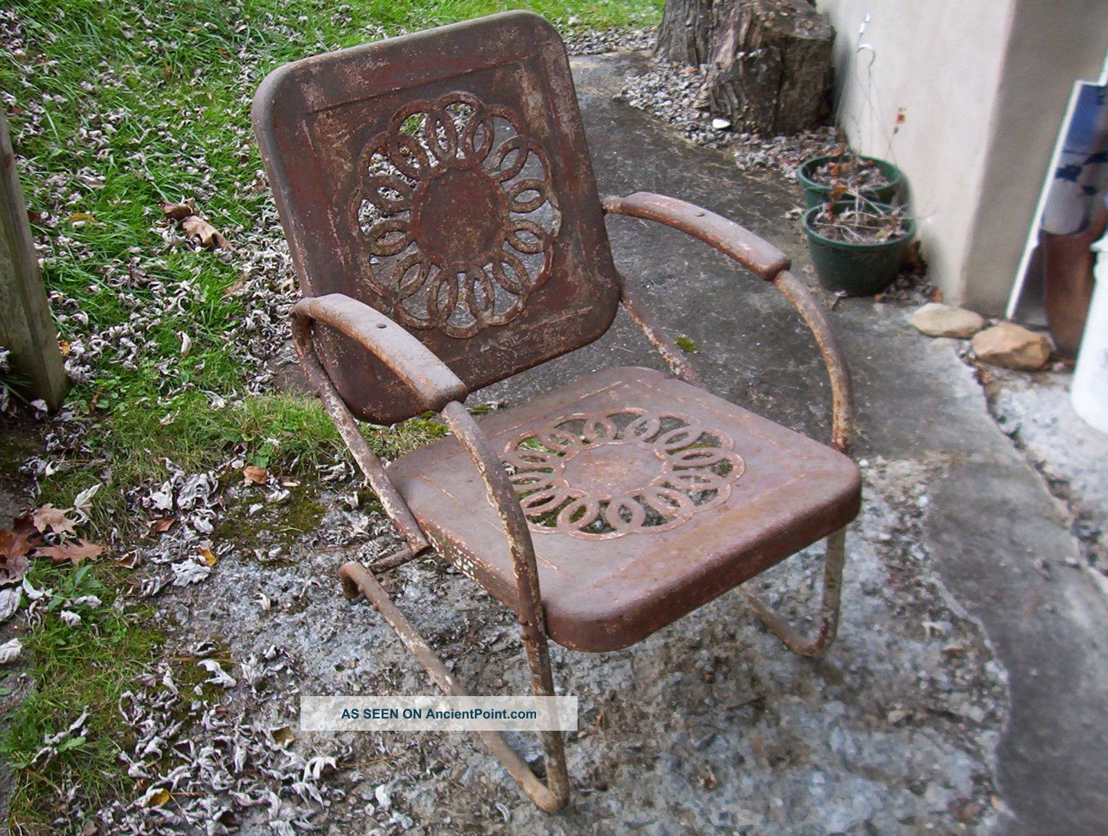 Vintage Antique Porch Chair Starburst Or Sunflower Pattern Like Bunting Glider Post-1950 photo