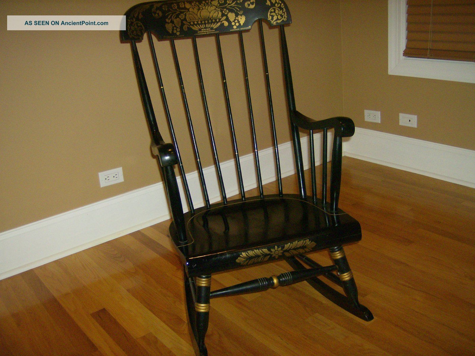 Old Rocking Chairs ~ Antique vintage chairs interior decorating accessories