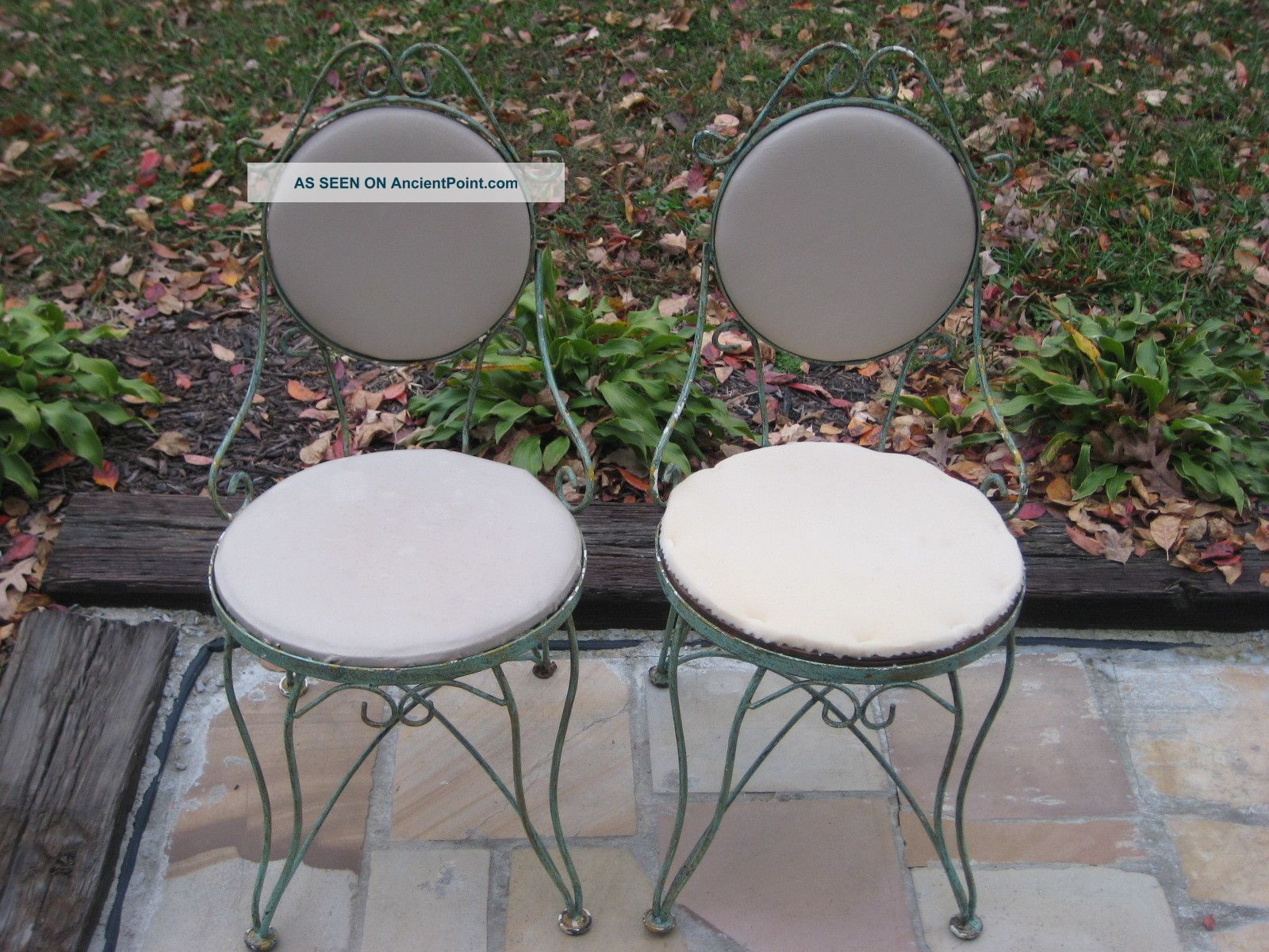 2 Vintage Antique Iron Ice Cream Bistro Chairs Metal Mid Century French Country Post-1950 photo