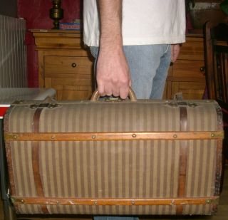 ☆ Wonderful Antique French Travel Suitcase / Trunk photo