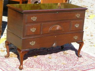Traditional Cedar & Mahogany Lane Chippendale Queen Anne Blanket Hope Chest photo