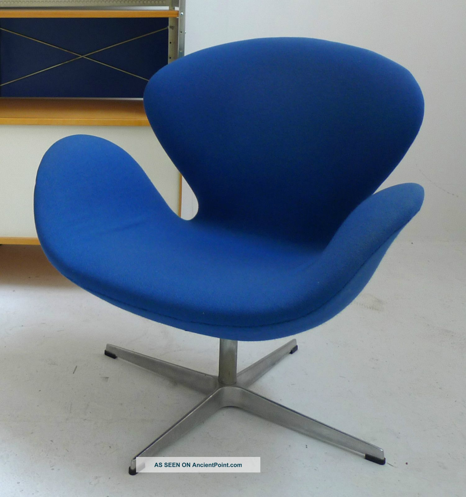 Jacobsen Swan Chair - Fritz Hansen Post-1950 photo