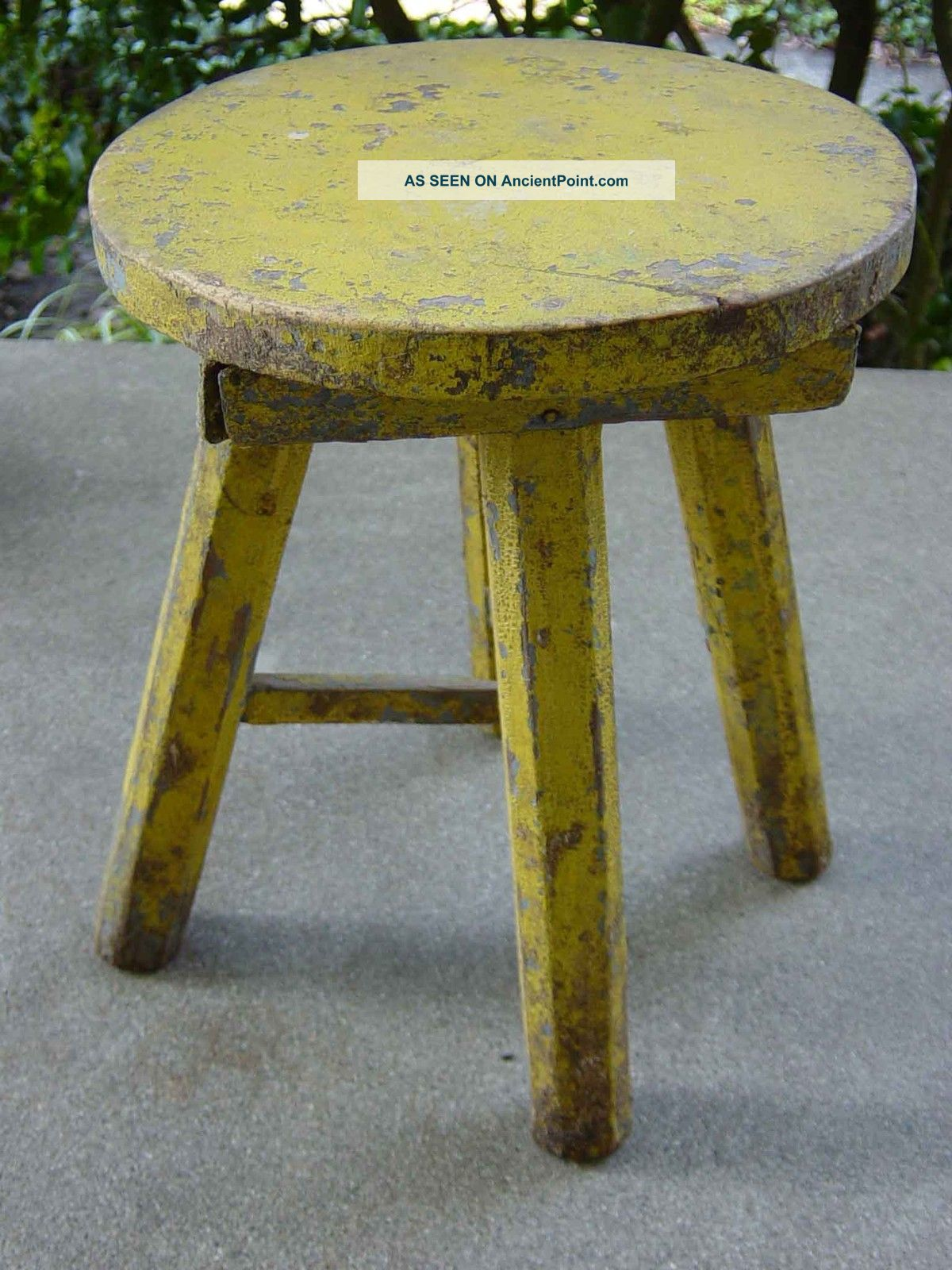 Old Yellow Layered Chippy Paint Wood Stool 11 Primitive Antique . Full resolution‎  picture, nominally Width 1200 Height 1600 pixels, picture with #5D4E0E.