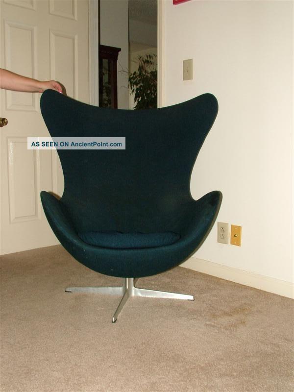 Vintage 1967 Fritz Hansen Arne Jacobsen Egg Chair Post-1950 photo