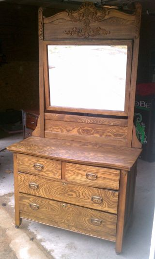 5 Drawer Dresser With Vanity Mirror photo