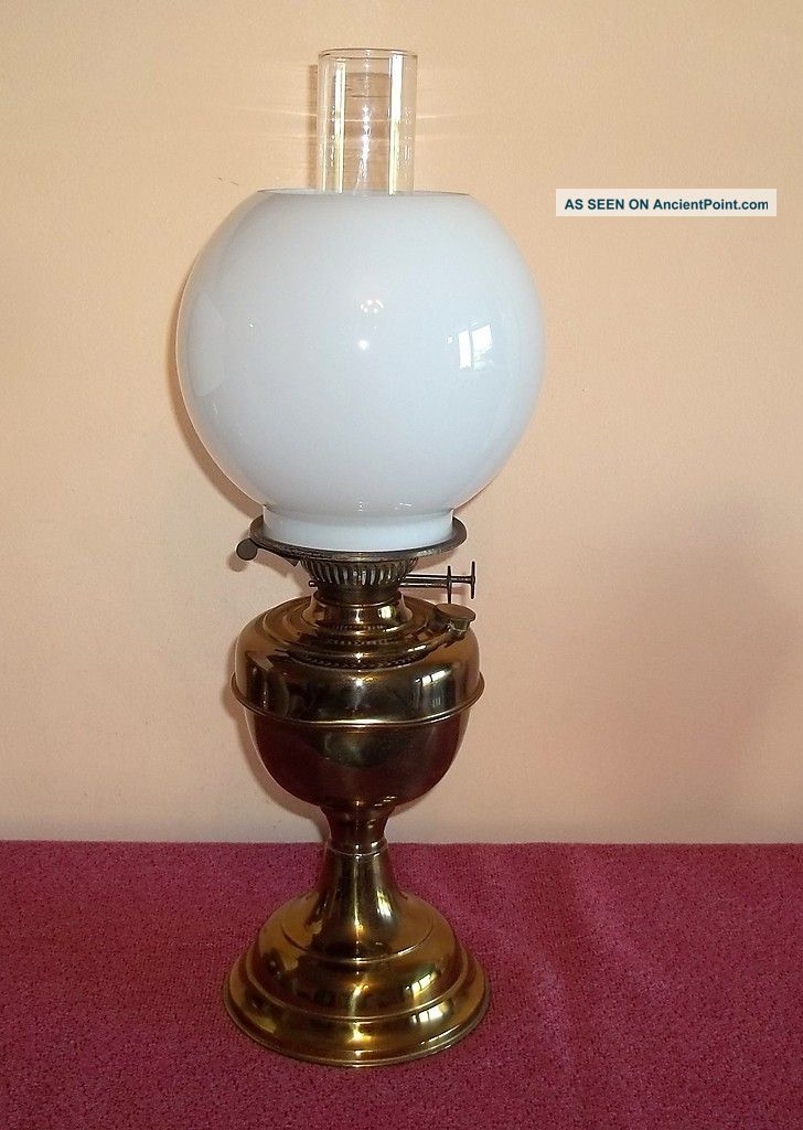 Good Working Duplex Vintage Brass Twin Burner Oil Lamp With Shade And Chimney 20th Century photo
