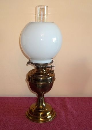Good Working Duplex Vintage Brass Twin Burner Oil Lamp With Shade And Chimney photo
