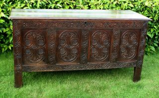 A Very Good C17th Salisbury Oak Coffer: 58