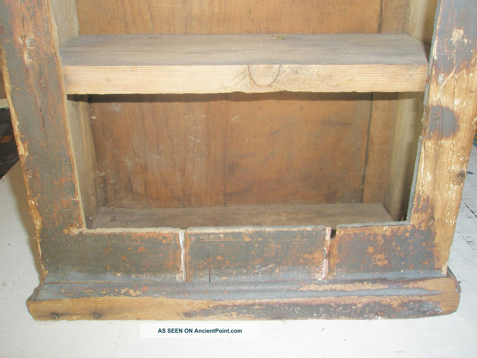 Old Wood Shelf Cupboard Black Paint Cabinet Primitive Figural Metal . Full resolution  snapshot, nominally Width 1600 Height 1200 pixels, snapshot with #8C683F.