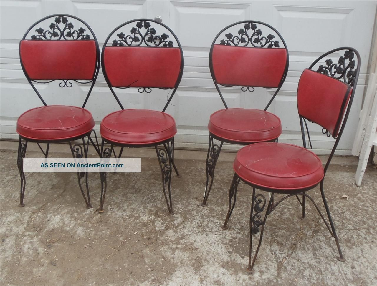 Vtg Antique Wrought Iron Padded Patio Parlor Kitchen Dining Chairs Mid Century Post-1950 photo