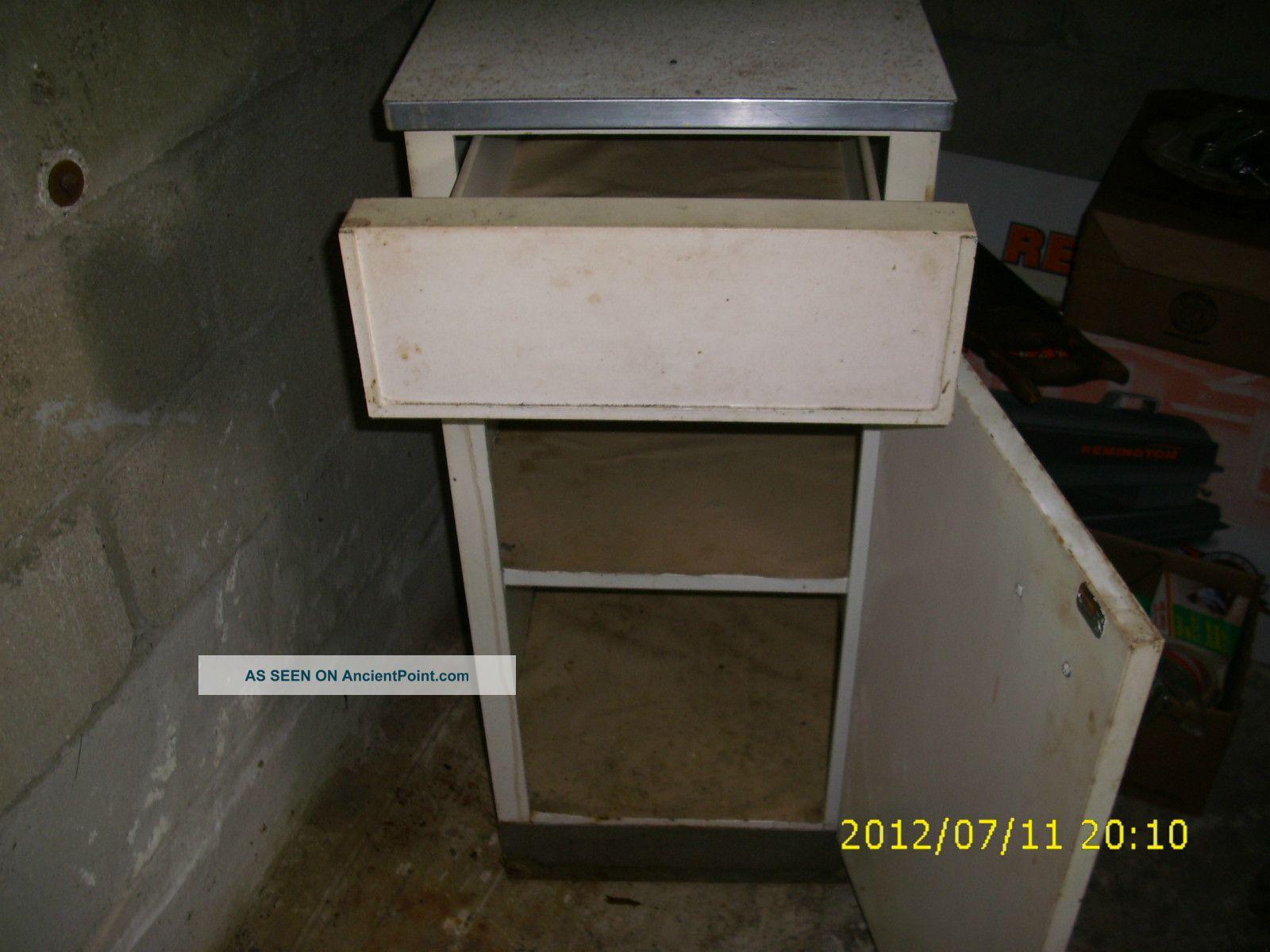 Vintage Metal Base Kitchen Cabinet Post 1950 Photo 1