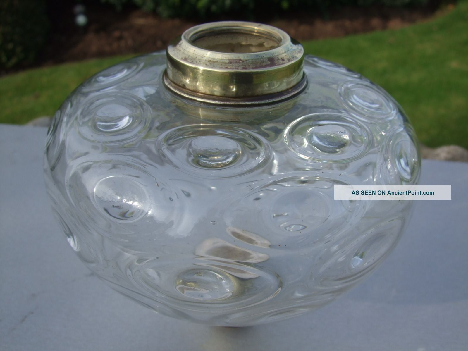 Victorian Clear Glass Oil Lamp Font Victorian (1837-1901) photo