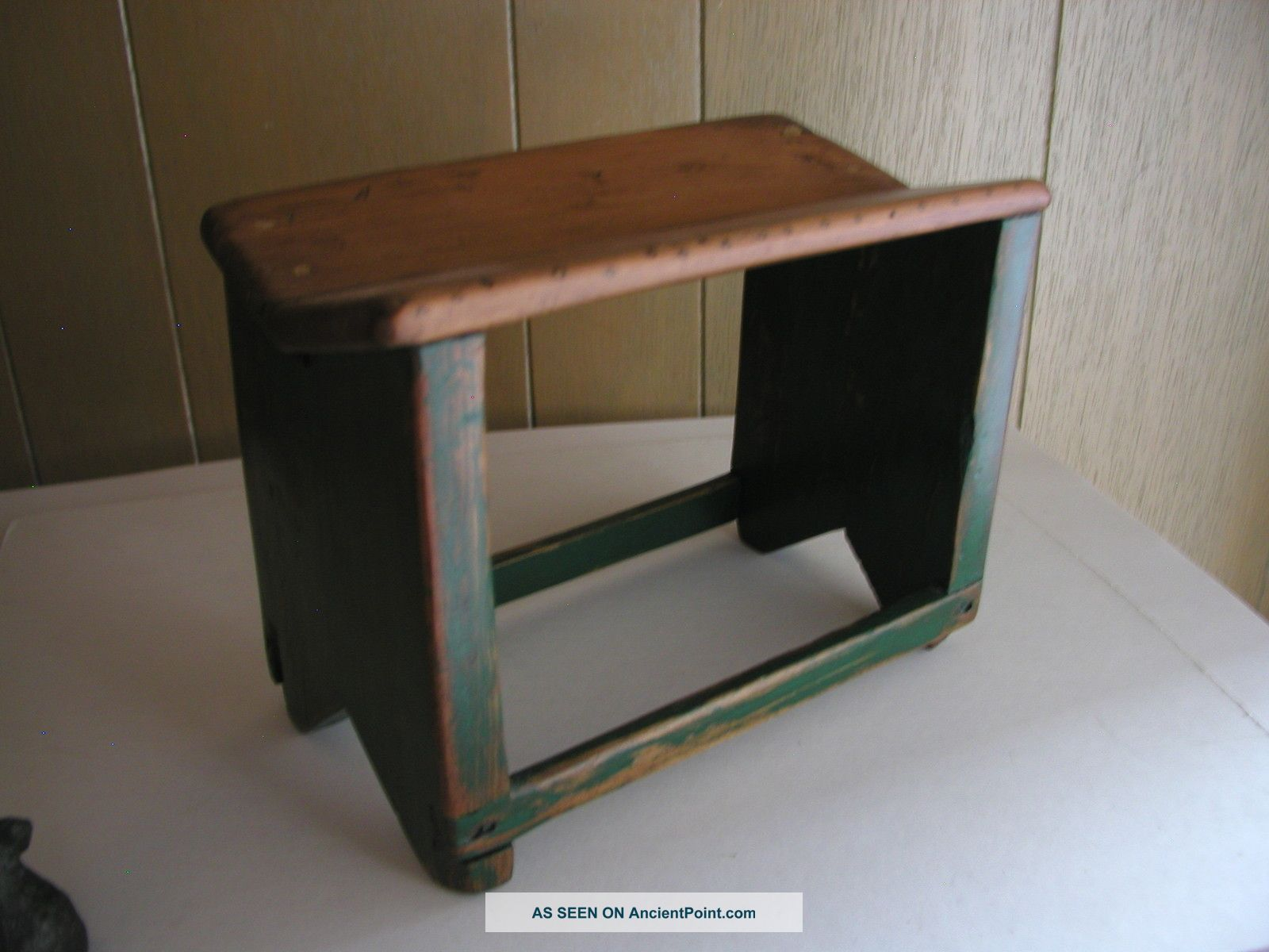 Wonderful image of Antique Wooden Step Stool / Foot Stool Stained Painted Green Unknown  with #5E4834 color and 1600x1200 pixels