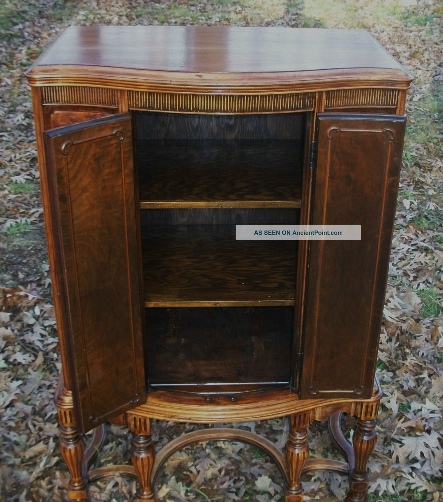 Vintage Radio Cabinets 116