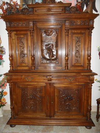 Outstanding Sideboard Depicting A Carved Picture By Boucheron Pristine photo