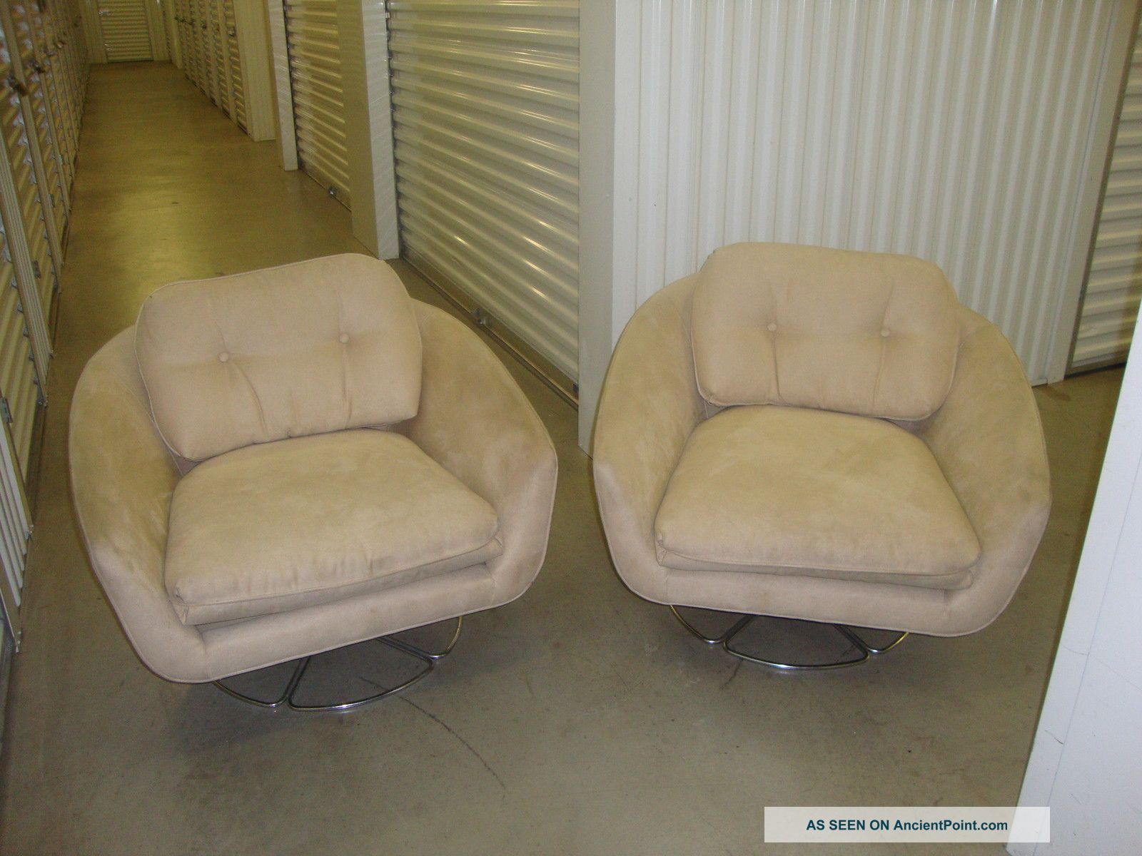 Vintage 1960 ' S Bucket/tub Swivel Chairs Beige Suede 2 Of Them Post-1950 photo