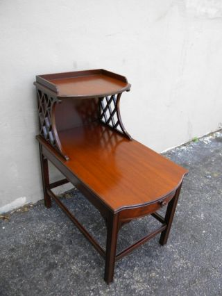 1940 ' S Mahogany Side/night Table With A Drawer photo