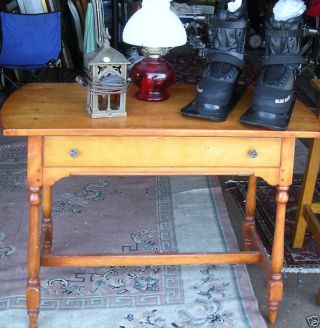 Colonial Style Side Table/desk,  Old & Excellent ^.  ^) Rc photo