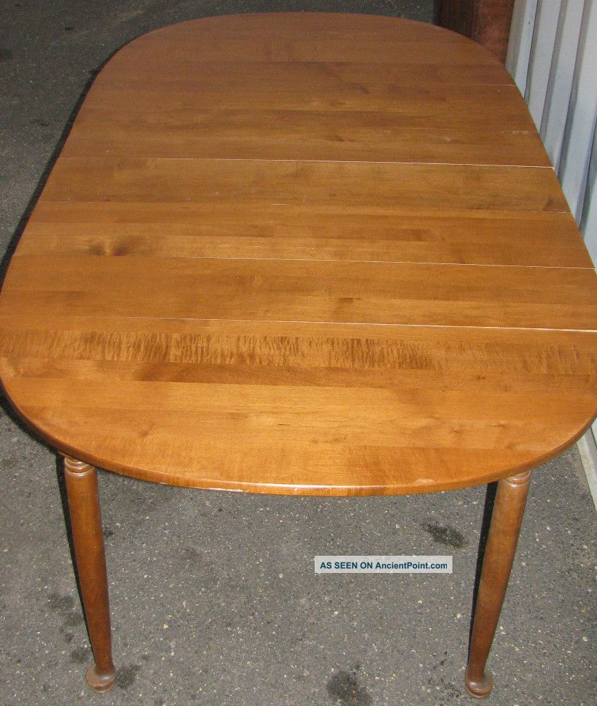 Stunning Solid Maple Dining Room Table In Rich Nutmeg Finish 1900 1950