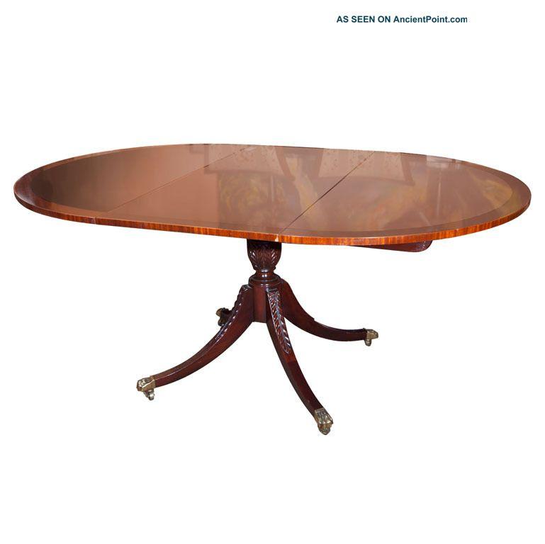 Fine Baker Kittinger Style Flame Mahogany Circular Dining Room Table