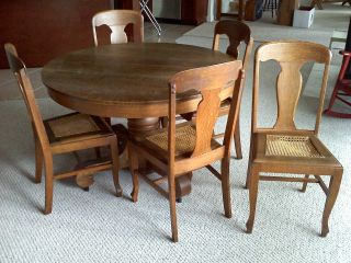 Antique 1900 ' S Tiger Oak Round Pedestal With Five Chairs photo