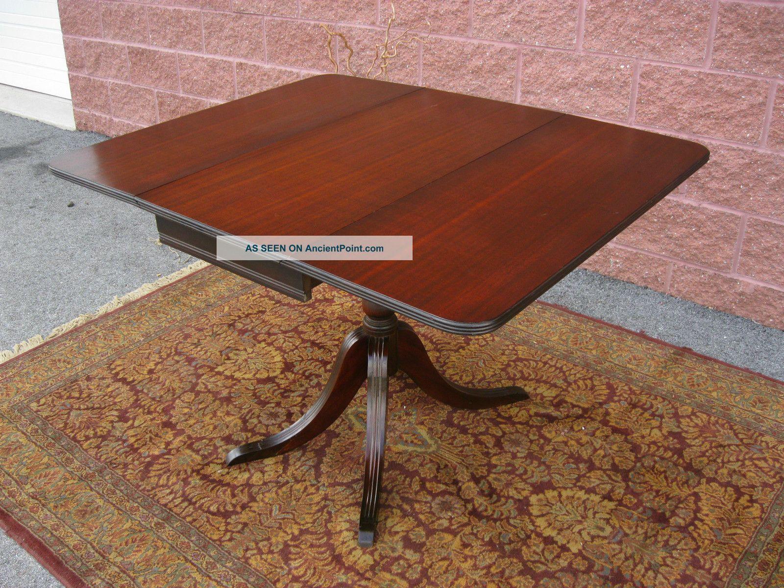 Duncan Phyfe Drop Leaf Table