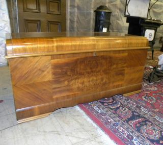 1947 Antique Art Deco Waterfall Style Lane Cedar Bedroom Blanket Hope Chest photo