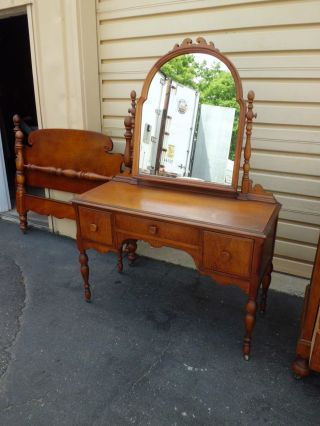 50790 Antique Maple Vanity Desk With Swivel Mirror photo