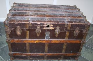 Vintage / Antique 1800 ' S Steamer Chest Trunk - Large - Needs Restoration photo