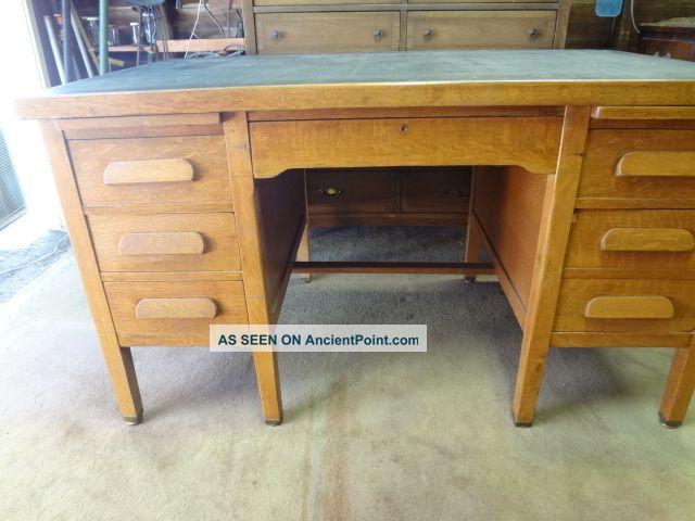 Vintage 1950 U0027 S Solid Oak Executive Office Desk (pasadena City Hall Desk)