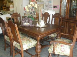 Gentil Antique Hand Carved Oak Dining Room Table And Chairs, Rustic Vintage Wood  Dining Photo