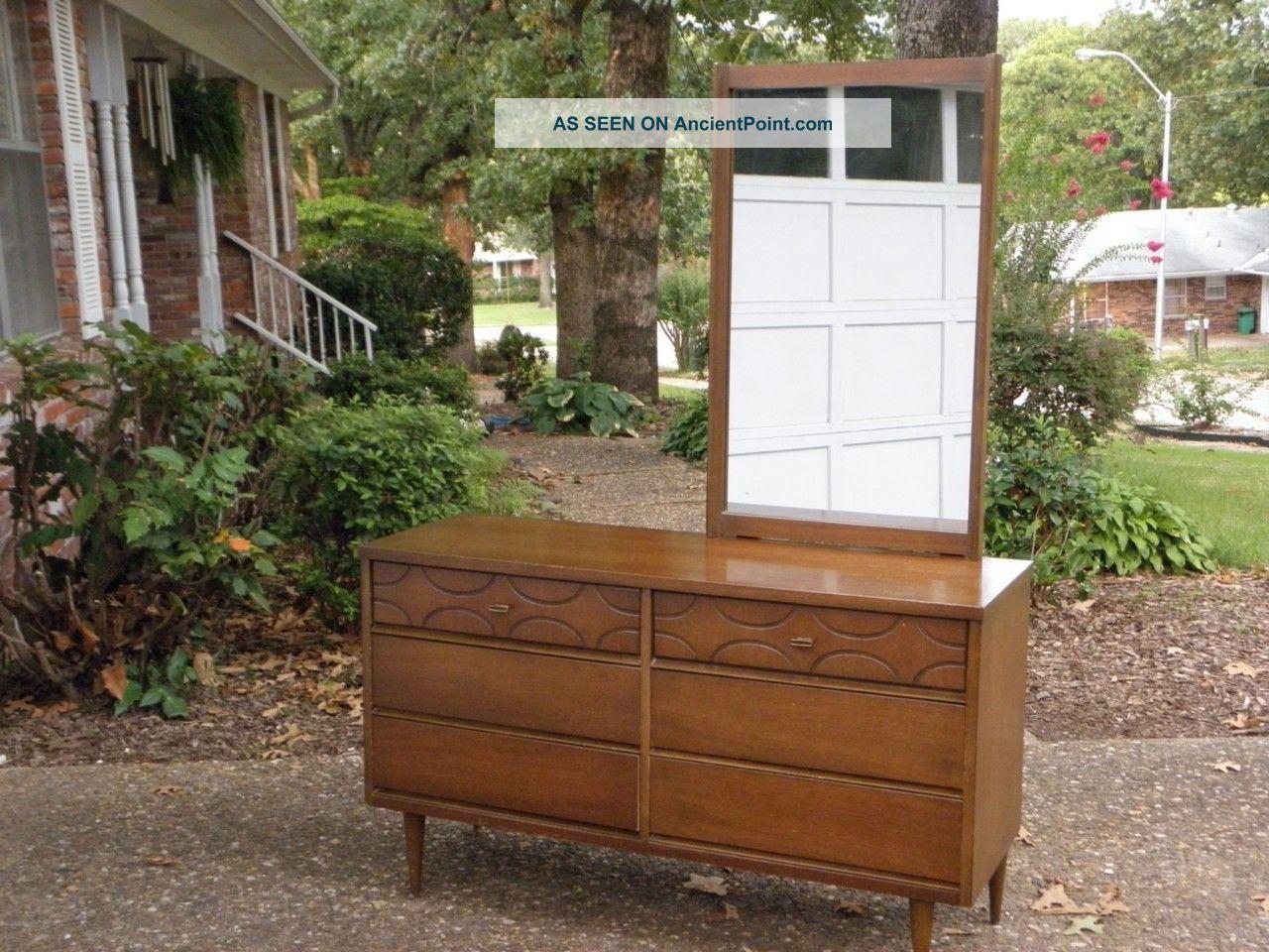 Vintage 1950s Bassett Wood Six Drawer Dresser With Mirror 1900-1950 photo