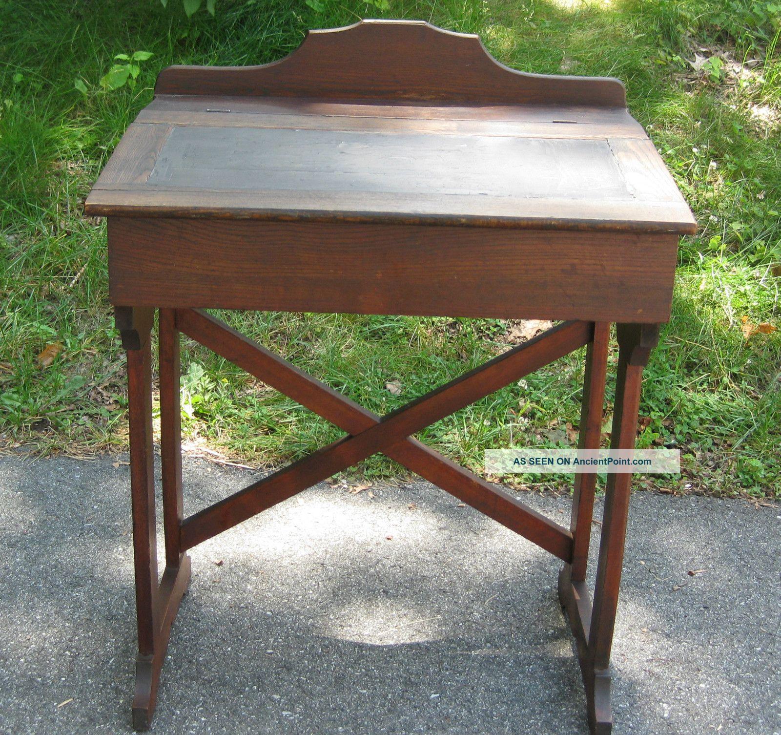antique - Childs Desk