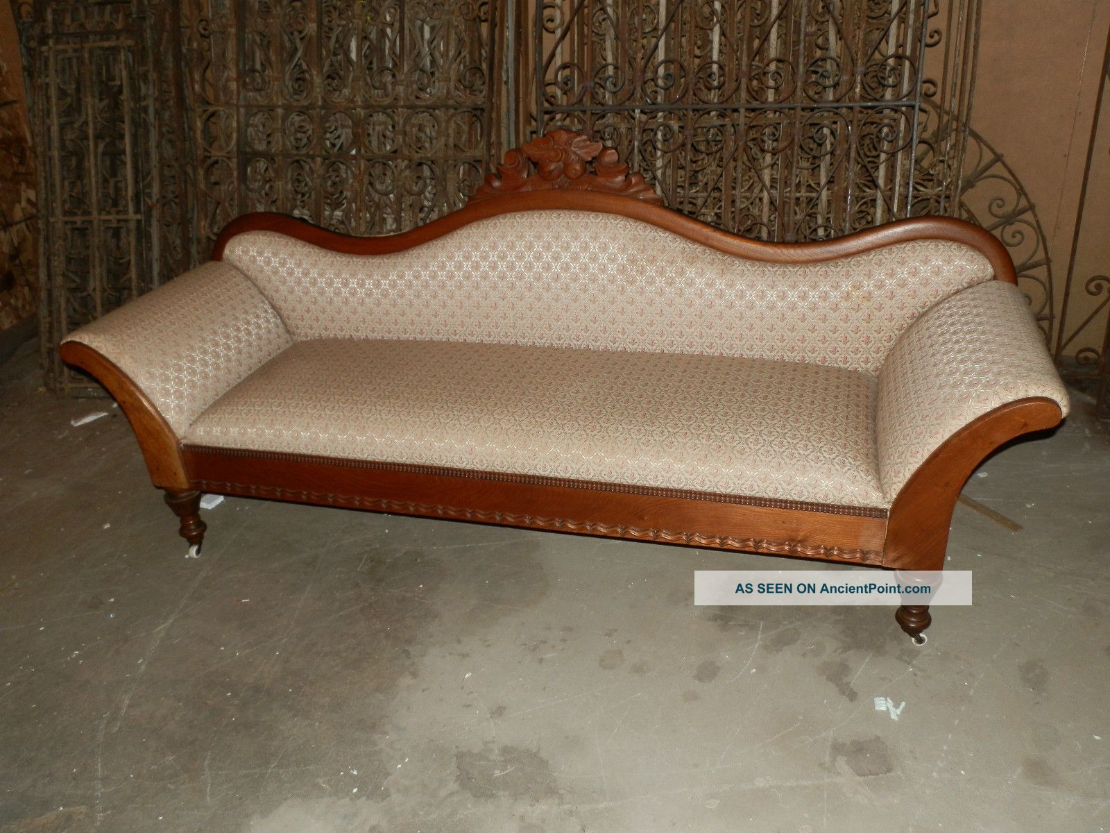 Victorian Sofa Trendy Legacy Classic La Bella Vita Sofa Coffee House Brown Victorian With