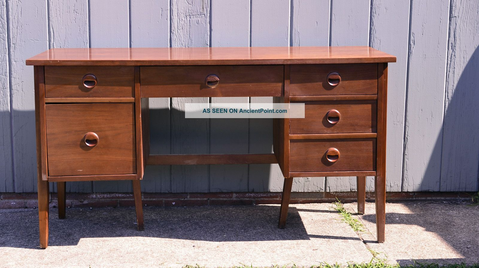 Mid Century Modern Danish Style Desk By Stanley Vintage Eames Furniture Writing