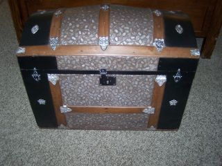 Antique Victorian Refurbished Steamer Trunk 34 X 19 X 24