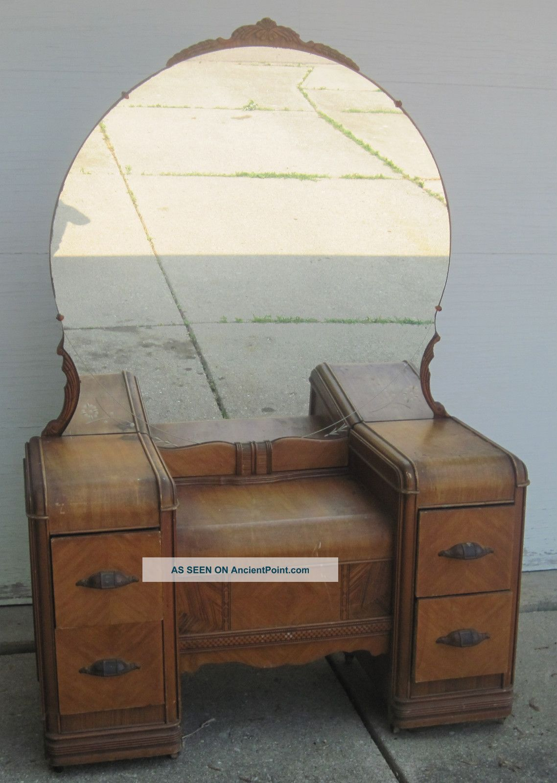 - Antique Vanity Dressing Table
