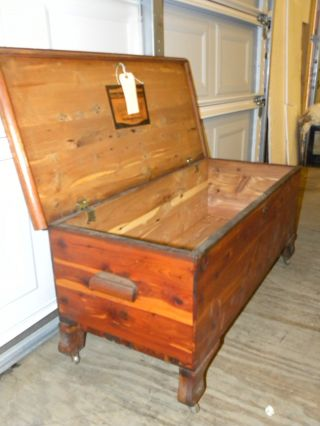 Antique West Branch Solid Cedar Bedroom Blanket Hope Chest Coffee Table photo