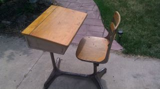 American Seating Elementary School Desk photo