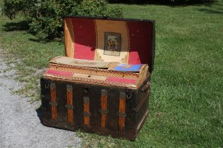 1880 ' S Victorian Tin & Wood Hump Back Top Dome Trunk With Full Tray - Large 36