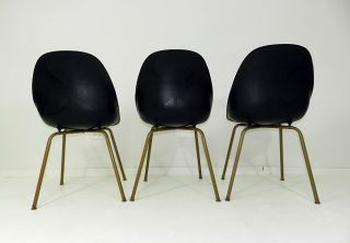Mid - Century Modern Shamrock Plastic Shell Chairs Metal Legs photo