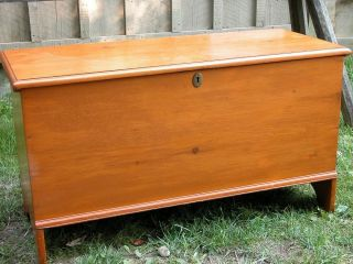 Early Six Board Blanket Chest Furniture Home Decorating Hearth & Home photo