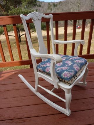 Vintage Shabby Rocking Chair Cottage photo