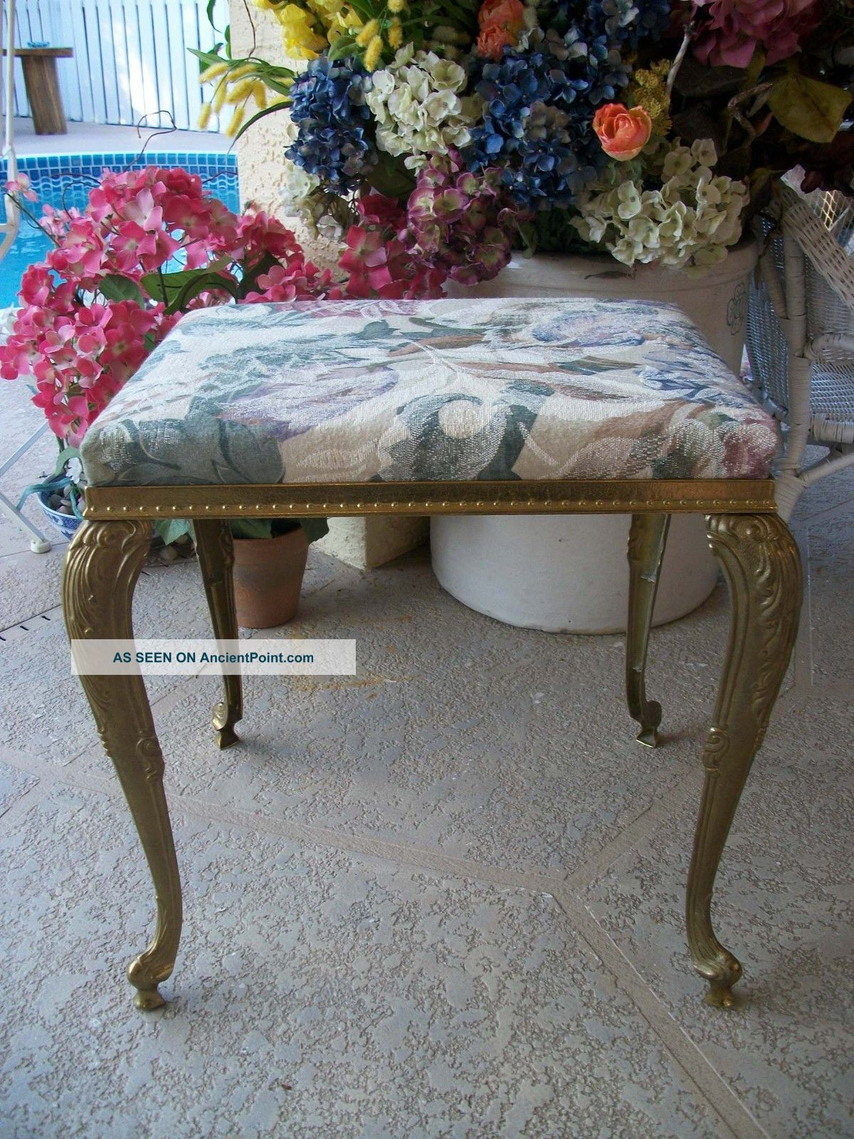 Vintage Italian Mod Dep Glam Gold Metal Vanity Stool Bench Chair Decor Queen Ann Post-1950 photo