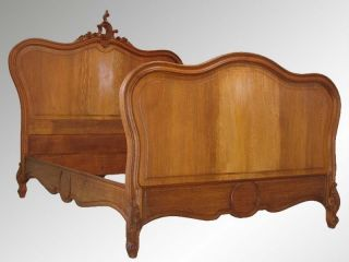 14994 Antique French Victorian Carved Bed photo