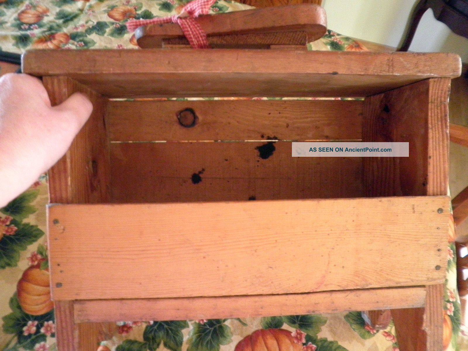 Amazing photo of Antique Old Primitive Wood Shoe Shine Polish Box Stand Shaker Colonial  with #B65C15 color and 1600x1200 pixels
