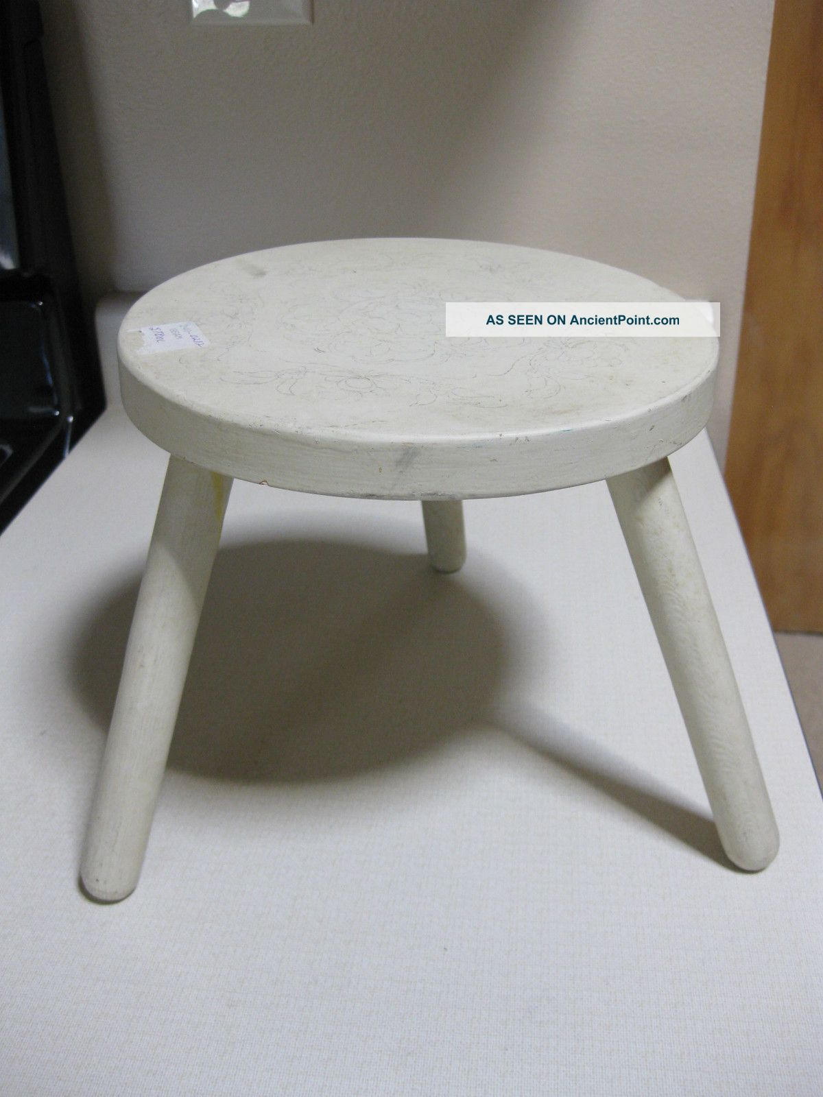Antique Lovely White Wooden Stool W/ Fancy Penicl Flower Design Primitive Sturdy 1800-1899 photo