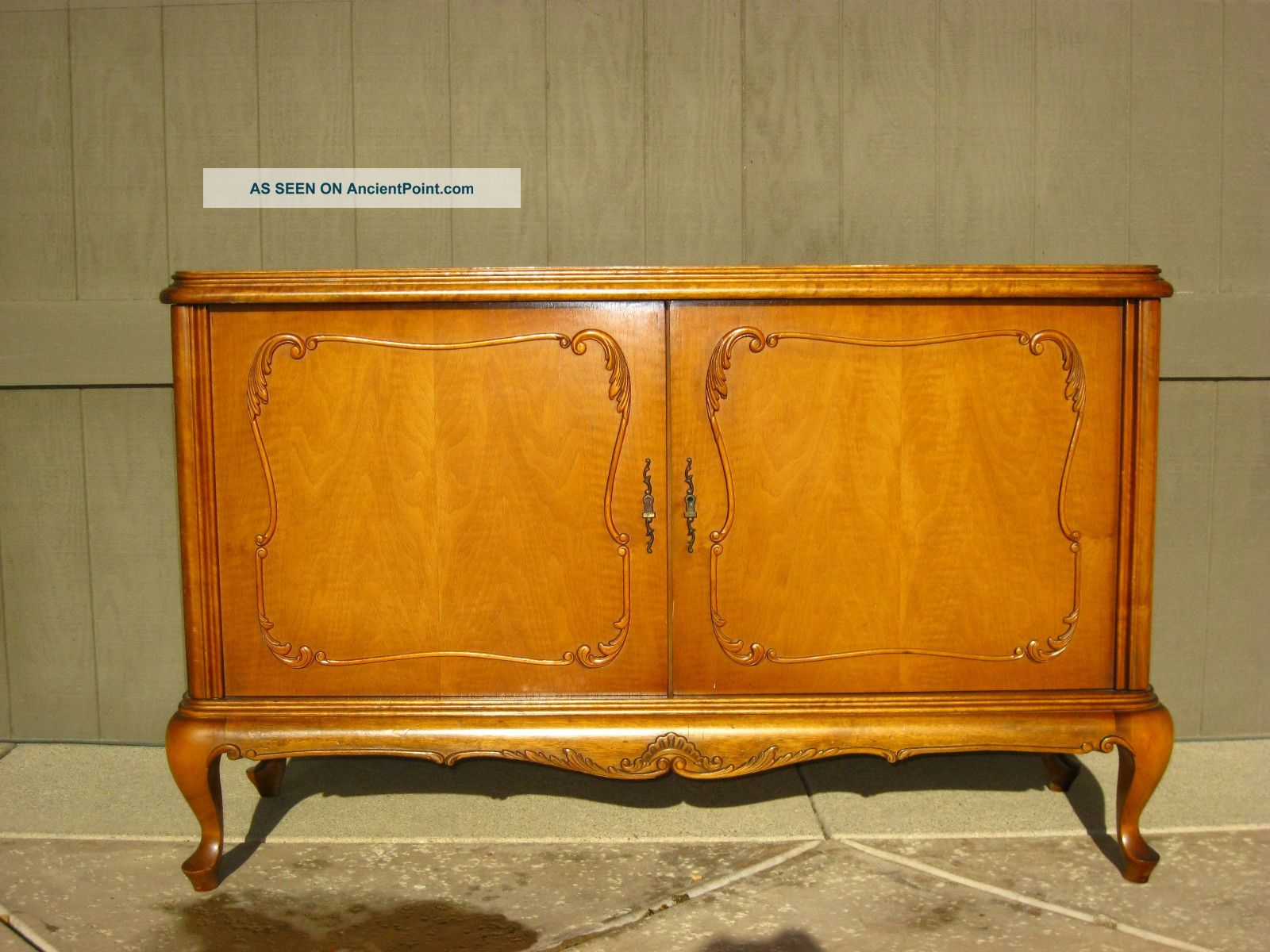Vintage French Provincial Buffet Sideboard Credenza Chic French Country Cottage Post-1950 photo