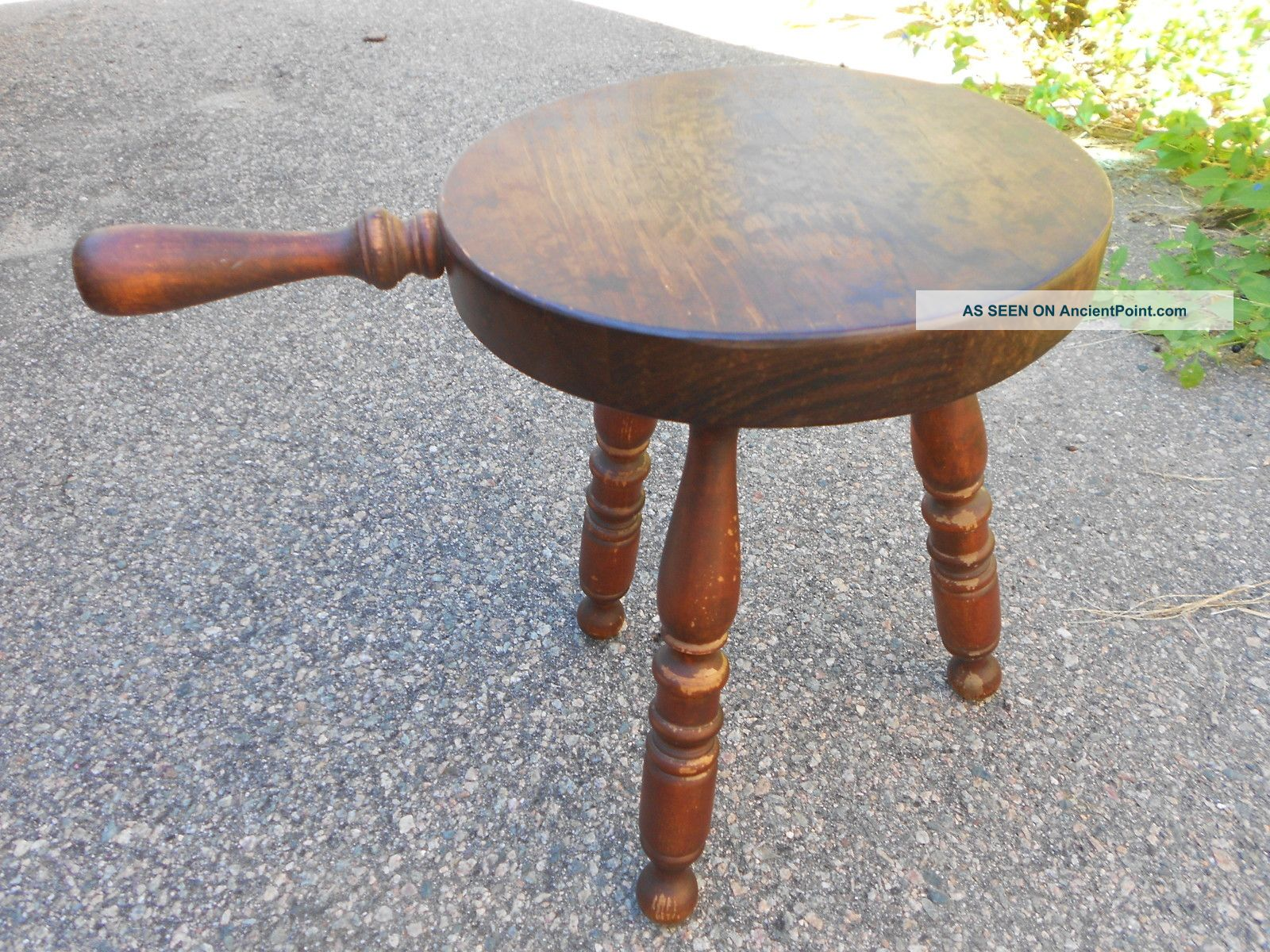 Vintage Wood Milking Stool Stars Eagle Turned Handle Leg Barn Chair Mid Modern 1900-1950 photo